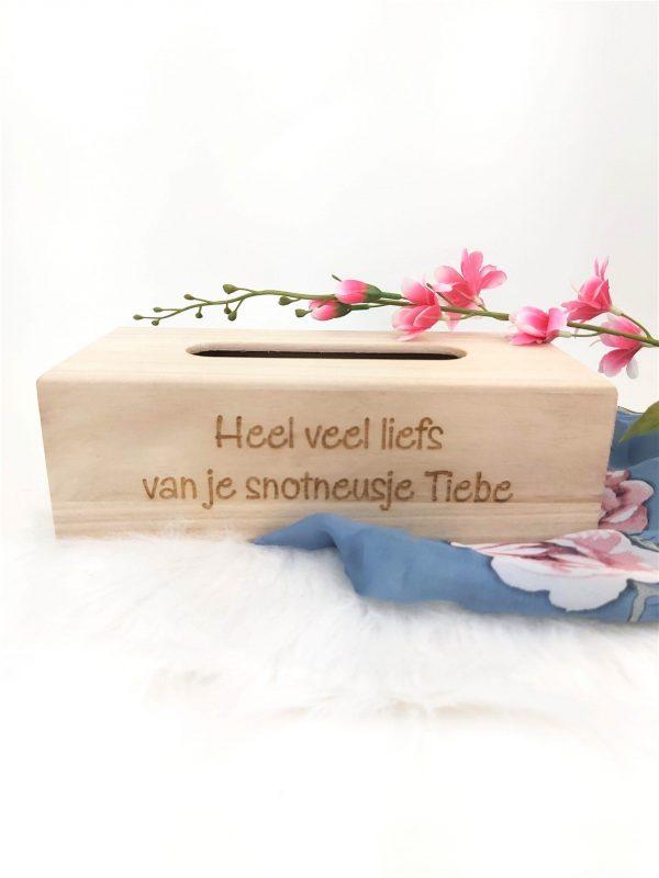 houten tissuedoos graveren - ZosTof op maat bedrukking